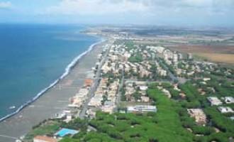 CODICI e i prezzi delle spiagge: da Ostia a Gaeta, ecco il quadro del litorale laziale