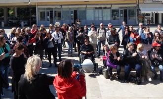 """Guidonia/""""Lavoro, istruzione, inclusione sociale, dignità"""": i lavoratori delle cooperative sociali dei servizi alla persona di nuovo in piazza"""