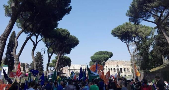 Roma/March for Europe, in 10 mila per chiedere un'Europa unita, democratica e federale