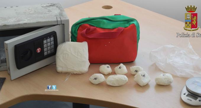 Tivoli/La droga era nascosta nella cassaforte: la Polizia arresta 42enne di Guidonia
