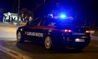 Guidonia/La figlia di 7 anni chiusa in macchina, la mamma a giocare alle slot machine: una donna di 33 anni denunciata per abbandono di minore
