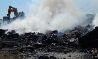Guidonia/Immondizia in fiamme nella zona industriale: l'intervento dei Vigili del Fuoco e dei Carabinieri